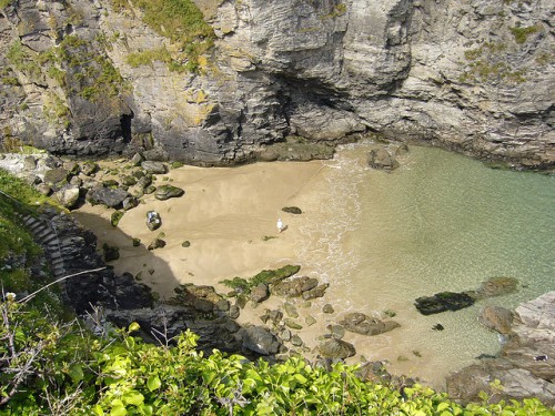 Bossiney Cove Beach