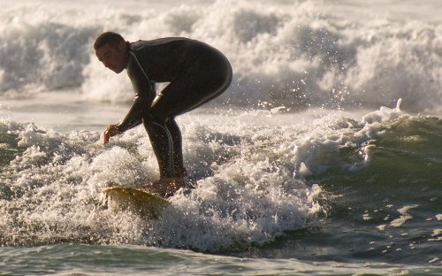 Surfing Guide North Cornwall - Widemouth Bay Surfer